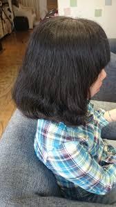 毛の量が多いこれがくせ毛でも広がらない髪型だ女性編