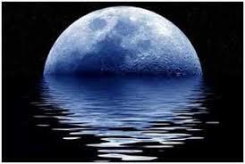 Resultado de imagen para luna entre olas
