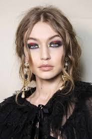 makeup trend red eye makeup for winter 2017