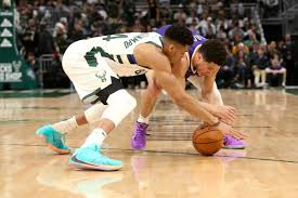 Suns strike first as paul powers phoenix to game 1 victory. Nba Finals 2021 Odds Suns Vs Bucks Game 1 Betting Line Prop Bets Giannis Antetokounmpo Injury Update