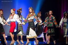 miss ukrainian diaspora chicago costumes