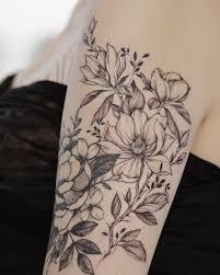 татуировка ботаника татуировка на плече цветочный рукав цветы