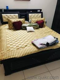 king size bed with premium white cotton