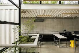 container office building. Rodrigo Kirck Arquitetura Container Office Building
