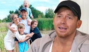 Stacey solomon was born on october 4, 1989 in dagenham, essex, england as stacey chanelle solomon. Joe Swash Stacey Solomon S Partner Scared As He Approaches Same Age Dad Was When He Died Celebrity News Showbiz Tv Express Co Uk