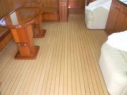 Tavolo In Teak Per Barche : Il legno più resistente e pregiato teak adatto per la