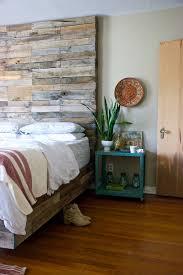 mismatched bedroom furniture. rusticplatformbedsbedroomeclecticwithbeigewallmismatchedfurniture beeyoutifullifecom mismatched bedroom furniture