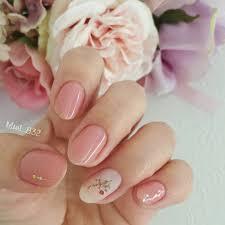 短い爪さんでも可愛く魅せてくれるこの春も楽しみたい押し花ネイル