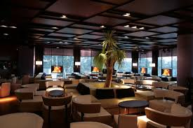 Round Table Lounge