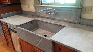 recessed detail in backsplash adds a nice touch