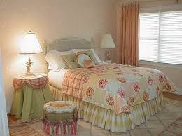 Cottage Bedroom Decorating Ideas