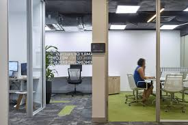amicus interiors has developed a new office design for their operations located in brisbane australia in keeping with the companies philosophy of activity amicus sydney offices