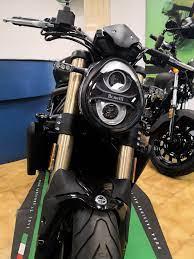 Appena arrivata la nuova Benelli 752S!! 😍🔝 - Cruciani Moto Official