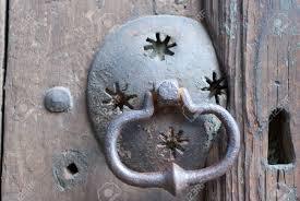 an old metal door handle knocker Фото со стока 17047591