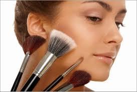 cara mengaplikasikan makeup natural untuk wajah bulat proses bertambahnya