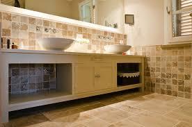 Bagno Legno Marmo : Foto bagni in travertino marmo progetti pietra
