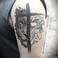 лев орел и крест тату на плече у парня добавлено иван вишневский