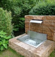 Bilder Von Brunnen F R Garten Aus Stein Oder Brunnen In Garten