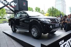 2018 mitsubishi pickup. delighful pickup 2017 mitsubishi triton front three quarter unveiled on 2018 mitsubishi pickup