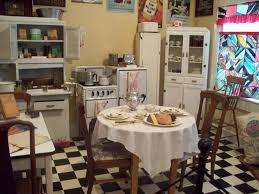 Retro Style Kitchen Accessories 25 Best Ideas About 1940s Kitchen On Pinterest 1940s Home Decor