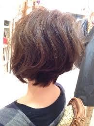 丸顔女子にも似合うアシメショートヘアを理論的に解説