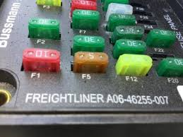 freightliner m2 106 fuse box 24492452 detail information from freightliner m2 106 fuse box
