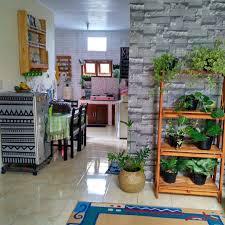 Untuk menambah inspirasi anda dalam interior ruang keluarga, yuk simak 7 desain ruang keluarga lesehana yang hemat biaya dan bisa di contoh, yang sangat cocok di terapkan di rumah apalagi di bulan puasa seperti ini. Desain Ruang Santai Keluarga Minimalis Cek Bahan Bangunan