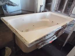 american standard whirlpool jacuzzi bath tub 60 x 32 5 white right hand