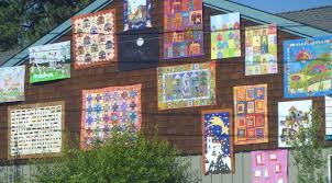 Sister's Outdoor Quilt Show in Oregon. - Amish Patchwork Tours & Sister's Outdoor Quilt Show in Oregon. Adamdwight.com