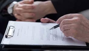 Кто может оспорить опротестовать завещание на квартиру в  Отмена завещания у нотариуса