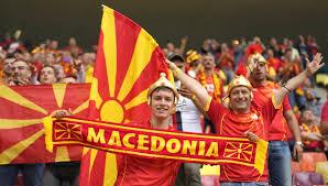 Euro 2020: Οι Σκοπιανοί προκαλούν στις εξέδρες με κασκόλ «Μακεδονία»