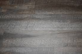 the pros and cons of luxury vinyl plank floors