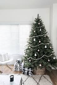 Minimal Scandinavian Christmas Tree
