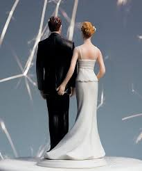 Various Types In Choosing The Right Funny Wedding Cake Toppers