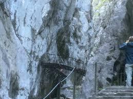 Geschichte einer schutzhütte (meilerhütte) meiler stiftet ausgerechnet eine hütte. Hollentalklamm Grainau Garmisch Partenkirchen Wanderweg Komoot