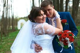 Семейным счастьем тут как то и не пахнет Минчане рассказывают о  Свадьбу мы праздновали два дня в конце апреля 2015 года в городе Ивацевичи тогда я еще не переехала в Минск Гостей было 90 человек