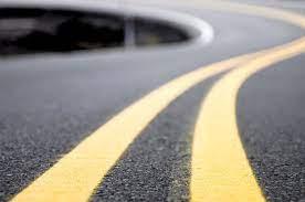 เส้นจราจร เส้นทึบคู่กับเส้นประแปลว่าอะไร ? - TOYOTA K.MOTORS