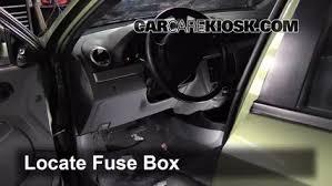 interior fuse box location suzuki forenza suzuki interior fuse box location 2004 2008 suzuki forenza