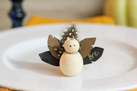 make adorable thanksgiving turkey place cards with wooden beads for your thanksgiving table this year