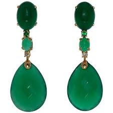 green chandelier earrings green agate emerald and white diamond on yellow gold chandelier earrings