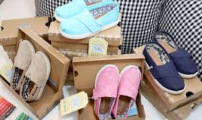 Toms Design Eyewear Even Wall Street Couldnt Protect Toms Shoes From Retails