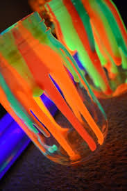 Neon Paint Colors For Bedrooms 17 Best Ideas About Neon Decorations On Pinterest Diy Blacklight