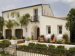white-stucco-on-spanish-inspired-home