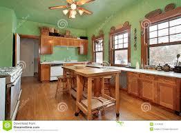 Cucina con pareti verdi ~ il meglio del design degli interni