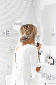 Best 25 Short Hair Buns Ideas On Pinterest Short Hair Updo Easy