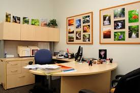 decorate your office desk. Fine Your Gallery Of Ideas To Decorate Your Office Desk Detail Decor Fantastic 7 Inside