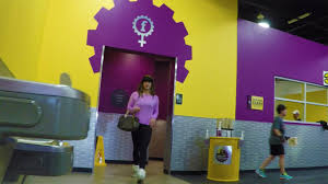 HIDDEN CAM Cross Dressing At Planet Fitness YouTube