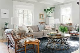 emily henderson curbly livingroom01