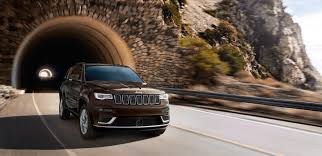 Comparing Available 4x4 Systems in the Jeep Grand Cherokee ...