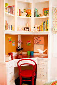 Desk In Small Bedroom Model Decoration